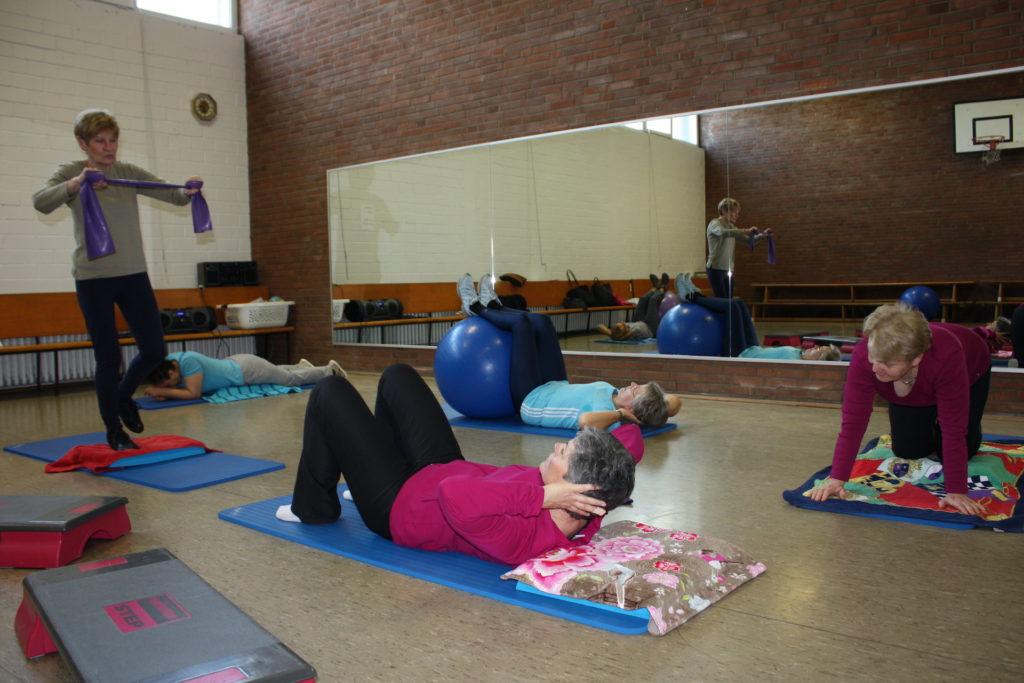 Gymnastik in Voesch, Spiegel